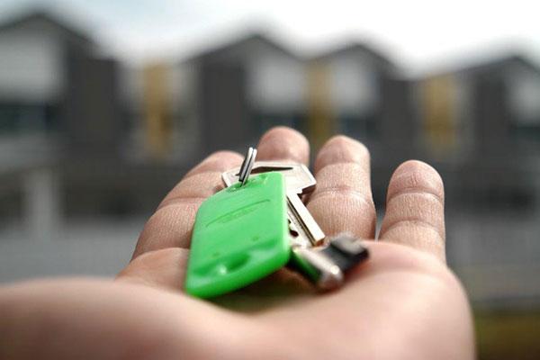 De danske huspriser er de seneste to måneder ikke set højere siden 2010. Men der er ikke mange huse at købe på et halvtomt marked, viser nye tal fra Boligsiden.
