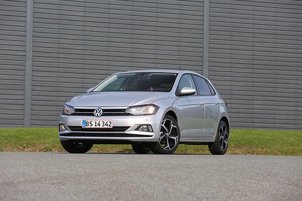 Polo er solgt i over 14 millioner eksemplarer verden over, og i weekenden den 11-12. november åbner Volkswagen-forhandlerne dørene til Danmarkspremiere på den nye og sjette generation af Polo. Markant større, mere avanceret og skarpere i linjerne står den nye Polo klar til at føre succesen videre med priser fra 157.571 kr.