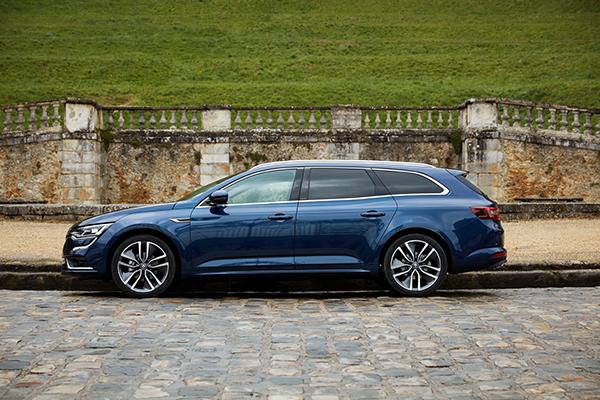 TEST: Morgenavisen Jyllands-Posten og Business Danmark har blandt i alt 11 oplagte firmabiler kåret Renault Talisman som klassens vinder, og efter en uges testkørsel vurderer Emagasin1 at det ikke er en helt skæv konklusion.