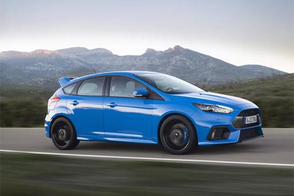 Den kompromisløse gadedreng, Fords firehjulstrukne Focus RS har begejstret alverdens motorjournalister.