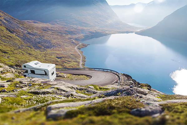 Rejsearrangøren BENNS, der er markedsleder inden for oversøiske autocamperrejser, tilbyder nu også leje af autocampere på vores eget kontinent.