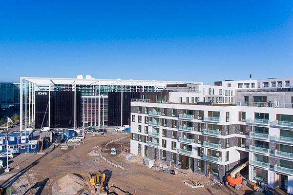 Ejendomsudviklingsfirmaet Calum holder den 2. november rejsegilde for byggeriet 'Eksercerpladsen' ved DR-byen. Overborgmester Frank Jensen deltager på dagen.