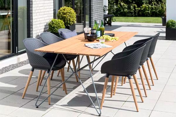 Fra uge 9 kan kunderne sætte sig godt til rette i Danmarks største udvalg af havemøbler hos IDEmøbler, der også er klar med masser af spændende forårsnyheder til resten af hjemmet.