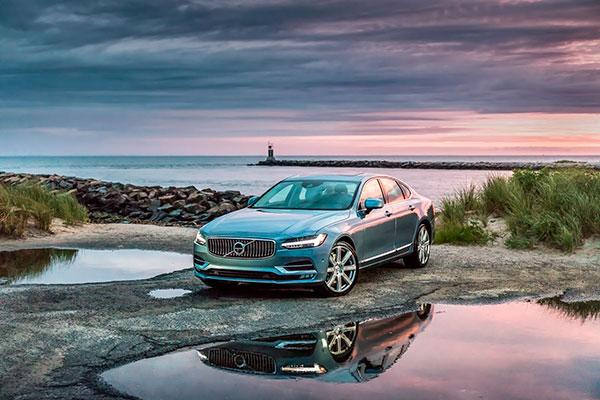 TEST: Vi har været en smuttur i Hamborg i en S90, Volvos pletskud i det mere luksuriøse sedan segment.