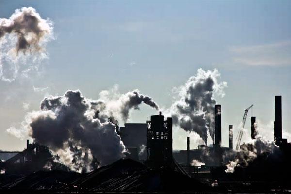 Bestyrelsen i Alm. Brand Invest dropper nu alle kul-, gas- og olieselskaber i samtlige fonde. Dermed bliver Alm. Brand Asset Management den første kapitalforvalter i Danmark, der etisk tilpasser alle sine fonde for fossile brændstoffer.