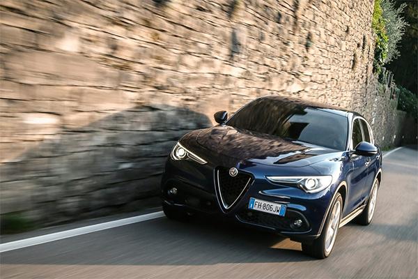 Nye privatleasingtilbud på Giulia og Stelvio betyder, at man kan sætte sig bag rattet på nogle velkørende biler for den laveste månedlige ydelse hidtil.