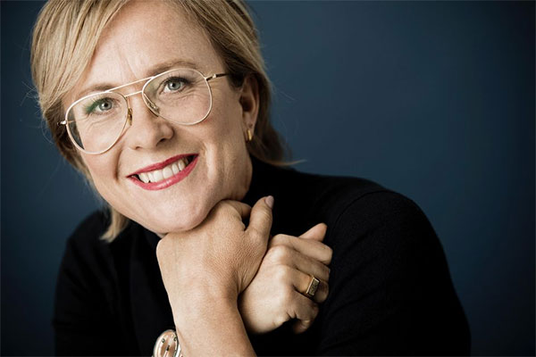 Den danske manuskriptforfatter og skuespiller Lisbeth Wulff springer både ud som ambassadør for Folkekirkens Nødhjælp og i ny dansk tv-serie.