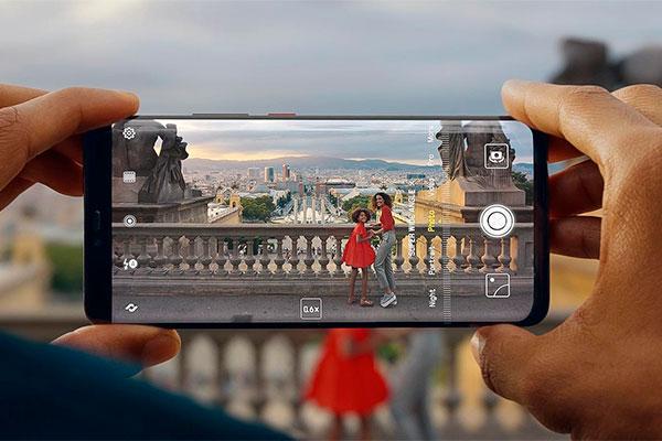 Vi har taget et kig på Huaweis nye supertelefon Mate 20 Pro, som for nyligt blev præsenteret i London under stor festivitas, og i øvrigt med tonerne til danske Christopher. Performance, batteri og kamera er i topklasse.