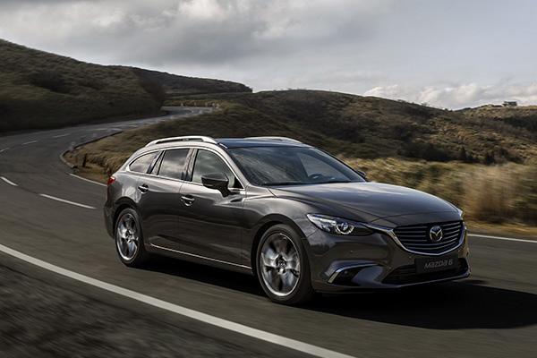 Mazda6 er af mange regnet for en af de bedst kørende biler i sit segment. Det vil Mazda gerne sætte en tyk streg under, når en opdateret Mazda6 introduceres sidst på året til endnu ikke fastsatte priser. Opdateringerne går ud på at gøre Mazda6 endnu mere dynamisk, støjsvag og sikker.