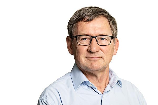 Næsten hver tredje dansker, der skifter arbejdsgiver, angiver dårlig ledelse som årsag. Det viser en ny undersøgelse, som analyseinstituttet Epinion har lavet for AS3. Tallet overrasker professor og arbejdsmarkedsforsker Bent Greve.