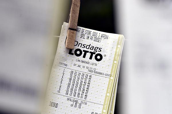 En 72-årig kvinde fra Skanderborg Kommune vandt forrige lørdag 6 millioner kroner i Lotto. Det ødelagde nattesøvnen et par dage, men en ny bil er allerede købt. Og gevinsten skal snart fejres med hele familien.