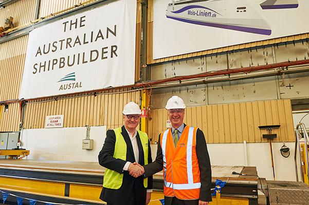 Allerede mens Molslinjens nyeste superfærge - Express 3 - sejler sine første sømil på turen fra Tasmanien til Aarhus, er den første aluminiumsplade skåret til endnu en helt ny færge - Express 4 - i Australien.