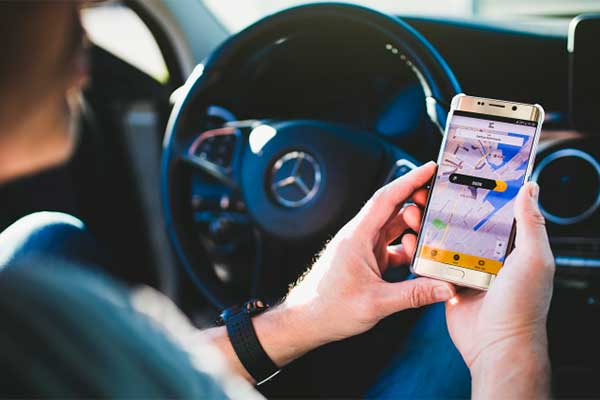 Med 2 klik har du – siddende i bilen – betalt for din parkering. Så nemt er det at parkere med den nye app, WayToPark, som er kommet godt fra start i København, Hillerød og Århus.