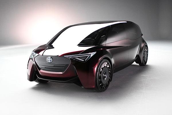 Ingen udledning af CO2, en rækkevidde på 1.000 km og en optankningstid på tre minutter. Der er, hvad den nye brintkonceptbil fra Toyota med navnet Fine-Comfort Ride har at byde på. Når man dertil lægger en accelerationstid på kun lidt over 5 sekunder fra 0-100 km/t. og et futuristisk interiør, er den luksuriøse, forureningsfrie og komfortable bilpakke for alvor fuldendt.
