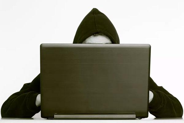 Alm. Brand lancerer en ny forsikring, der dækker virksomheder mod angreb fra cyberkriminelle.
