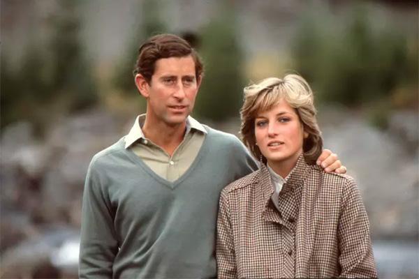 For snart 10 år siden døde Prinsesse Diana i en bilulykke i Paris. Seks år tidligere havde Diana deltaget i en række interviews, der med hendes tilladelse blev optaget af en god ven. Optagelser der først nu kommer ud til offentligheden. Det intime portræt af folkets prinsesse får premiere d. 26. august kl. 20.00 på National Geographic.