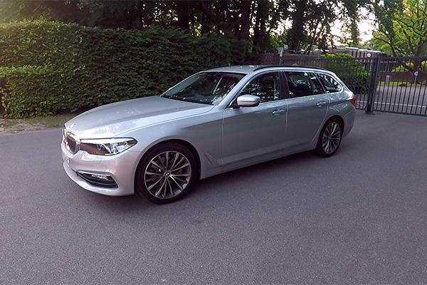 TEST: Den nye BMW 5-serie Touring har kørt på de danske veje siden juni måned. Emagasin1 har prøvet den, og konstateret at der er tale om en solid bil, som byder på masser af ny teknologi, plads og sportslige køreegenskaber.