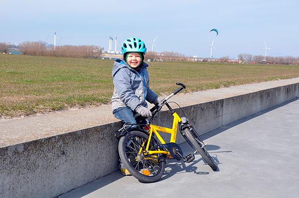 En ny undersøgelse blandt børnehavebørn viser, at kun halvdelen af børnene har talt om trafikregler i hhv. børnehaven eller derhjemme. Nu skal en ny trafikklub sætte skub i trafiklæringen hos de 3-6-årige.