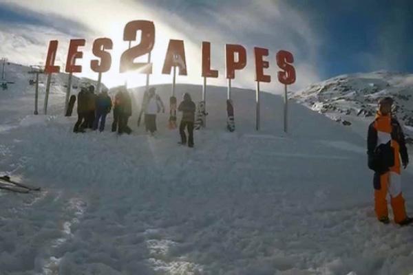 Til den kommende vintersæson tilføjer Slopetrotter Skitours to nye, franske destinationer til rejseprogrammet. Les 2 Alpes og Alpe d'Huez forstærker udbuddet af rejser til de franske Alper, og virksomheden ser stort potentiale i de både højtbeliggende og solbeskinnede skiområder. Med i alt 24 destinationer, hvoraf syv er franske, er Slopetrotter Skitours nu større end nogensinde i Frankrig.