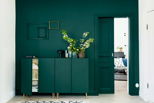 Har dit hjem set ud som det gør nu, alt for længe? Måske ville et rum eller to have rigitg godt af en god opfriskning, men det er småt med både tid og penge til både ny indretning og en større renovering?