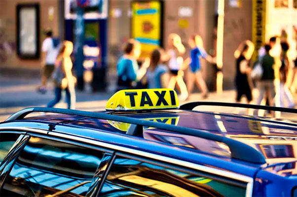 Aktiviteterne i landets største forsikringsselskab for taxavognmænd – Trafik G/S – overtages af Alm. Brand.