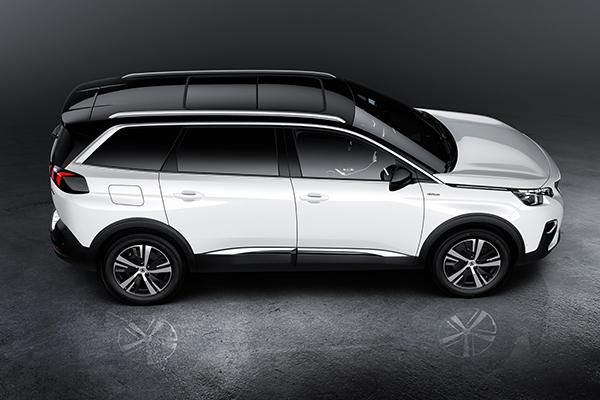 Navnet har ikke ændret sig, men alt andet har. Den nye PEUGEOT 5008 er en 7-sæders SUV og den indtager det voksende SUV marked som en helt ny spiller.