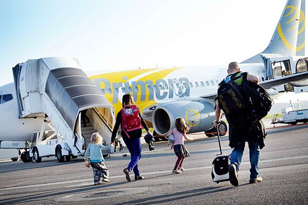 Aarhus Airport har sat sig for at undersøge danskernes syn på lufthavne og flyrejser. Blandt andet hvad angår den maksimale transporttid til lufthavnen.