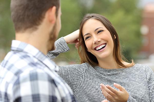 Der er mange faldgruber, når du dater på nettet, men hvis du bruger din sunde fornuft, kan du snildt styre udenom de dårlige oplevelser.