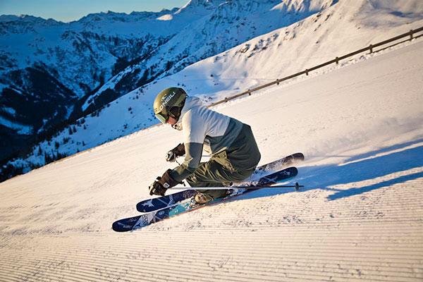Skiområdet Saalbach, Hinterglemm, Leogang og Fieberbrunn tilbyder skiløb for enhver smag, hyggelig Østrigs alpestemning og Afterski uden sidestykke.
