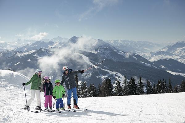 Rejsebureauerne sender flere og flere danskere af sted på ski i østrigske SalzburgerLand. For tredje år i træk placerer regionen sig som danskernes foretrukne ski-destination i Østrig.