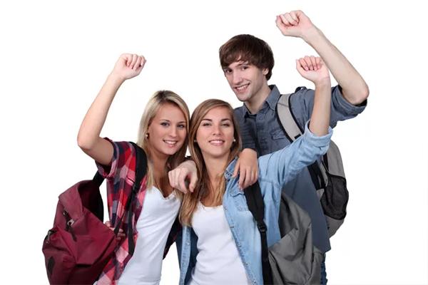 Det er højsæson for studieture på landets efterskoler og ungdomsuddannelser, hvilket er en disciplin, der har været gennem en kæmpe udvikling. I dag bruger uddannelsesinstitutioner nemlig oversøiske studieeventyr for at profilere sig og lokke elever til.