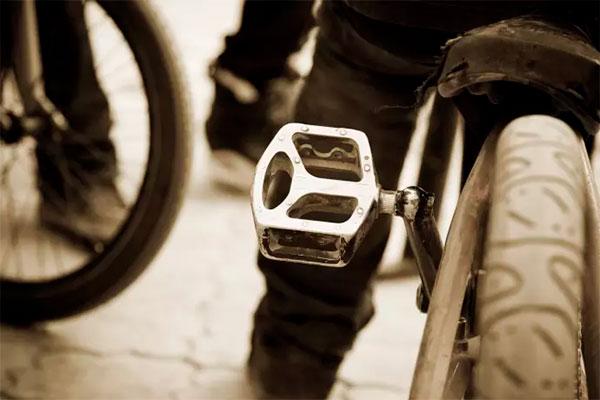 August og september er de travleste måneder for cykeltyve herhjemme. Så står du en dag og spejder forgæves efter din tohjulede, er du ikke alene. Sidste år blev der stjålet lidt over 48.000 cykler i Danmark.