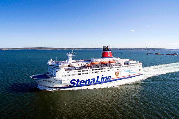 Stena Line introducerer fra højsæsonen en outlet-butik ombord på Stena Danica, som sejler mellem Frederikshavn og Gøteborg. Butikken vil sælge mærketøj med op til 80 procent rabat.