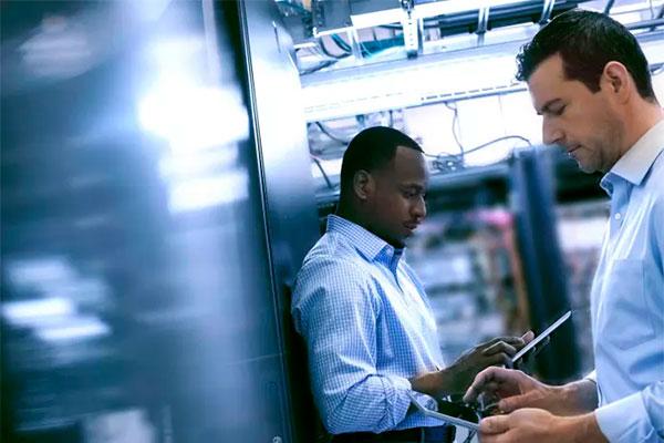 Et stadig større behov og flere digitale initiativer betyder flere udfordringer i datacentrene.