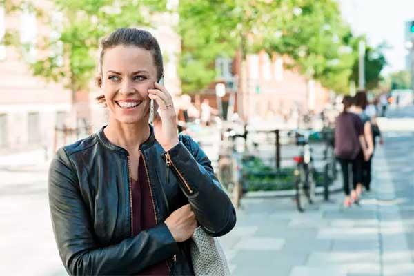 TDC Groups regnskab for årets andet kvartal lever op til forventningerne med et driftsresultat (EBITDA) på 2,1 mia. kr. Der er fortsat bedring i den danske mobilforretning, hvor bruttofortjenesten er i vækst for tredje kvartal i træk.