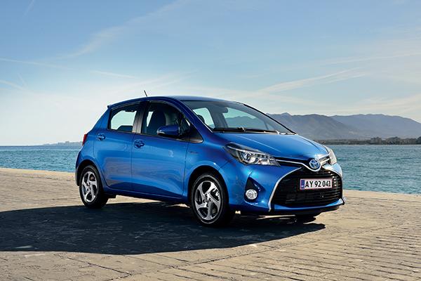 Det bliver fortsat mere og mere populært at køre i hybridbil. Toyota, der er den ubetinget største spiller på markedet for hybridbiler, melder således om en tredobling af salget af hybridbiler i første halvår af 2016 sammenlignet med året før. Toyota Yaris Hybrid er Danmarks mest populære hybridbil.