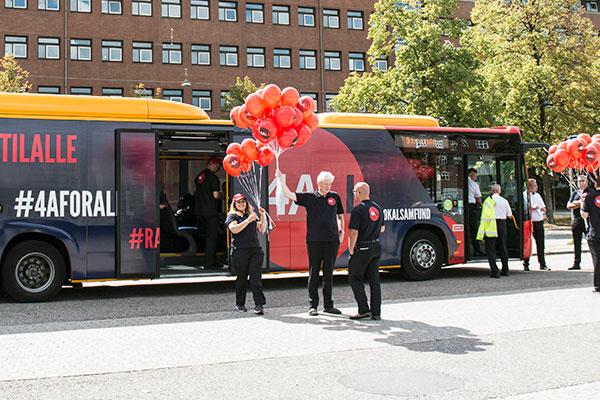 - Min ambition er at gøre en forskel og sætte et positivt præg på den kollektive trafik. Det gør vi med personlighed og god stemning. Sådan lyder det fra Poul Anchersen, direktør i busselskabet Anchersen, der har 441 ansatte og driver flere offentlige busruter.