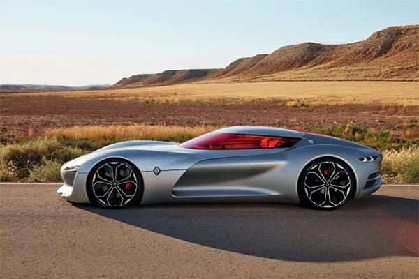 350 hestekræfter, 0-100 km/t på under fire sekunder, og et design, der tager vejret fra selv den mest bilfjendske person. Sig goddag til fremtidens Renault – TreZor.